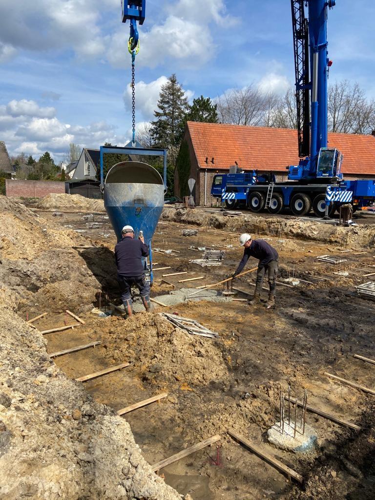 Funderingswerkzaamheden bij de 6 woningen aan de Sportlaan te Gemert
